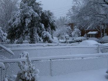 Neighborhood_snow_2006